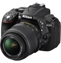 Reflex Nikon D5300 + Objectif AF-S DX Nikkor 18-55mm f/3.5-5.6G VR
